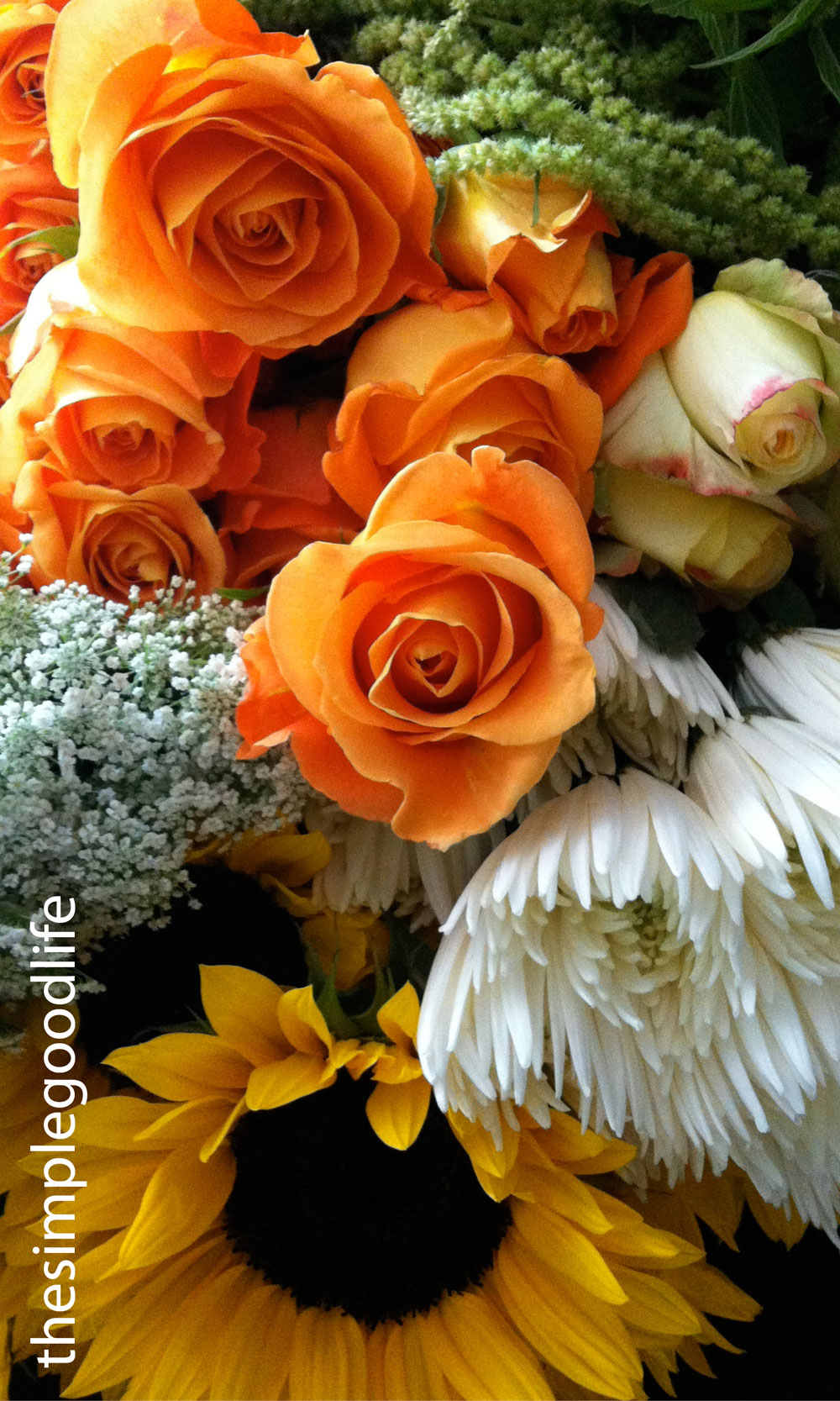 Rose And Sunflower Wedding Table Arrangement 171 Thesimplegoodlife